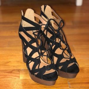 Like new: Women's platform sandals